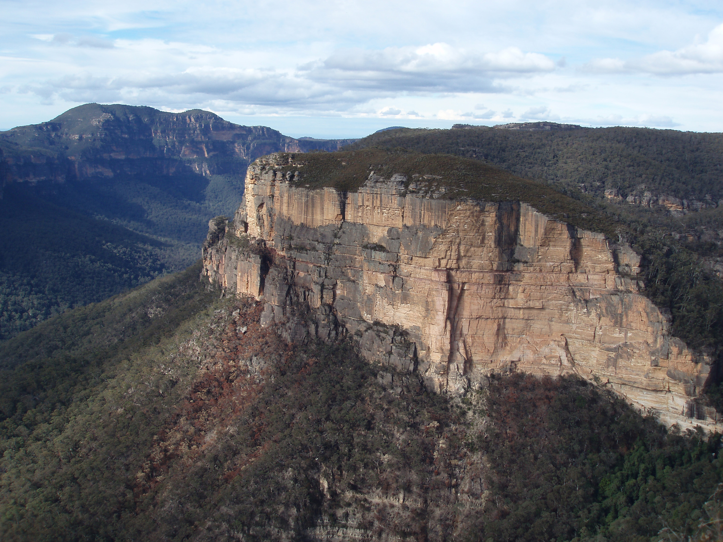 a view of the grose valley from near govetts leap, blackheath