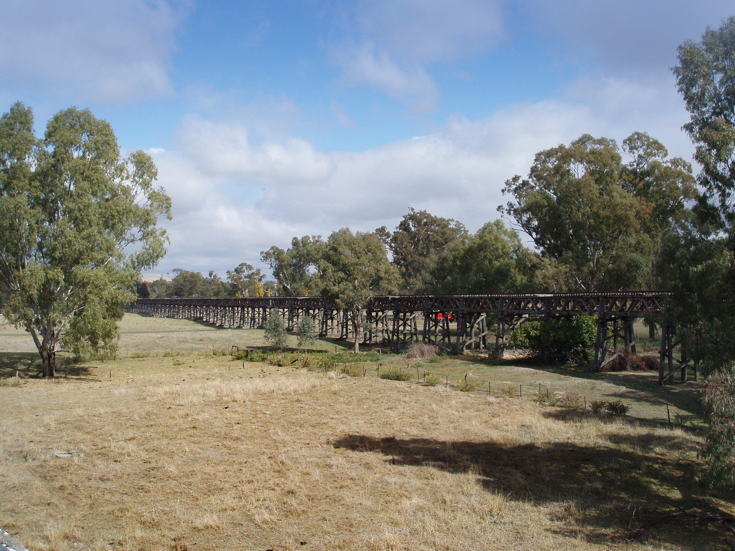 Photo of old railway viaduct, gundagai | Free australian stock images