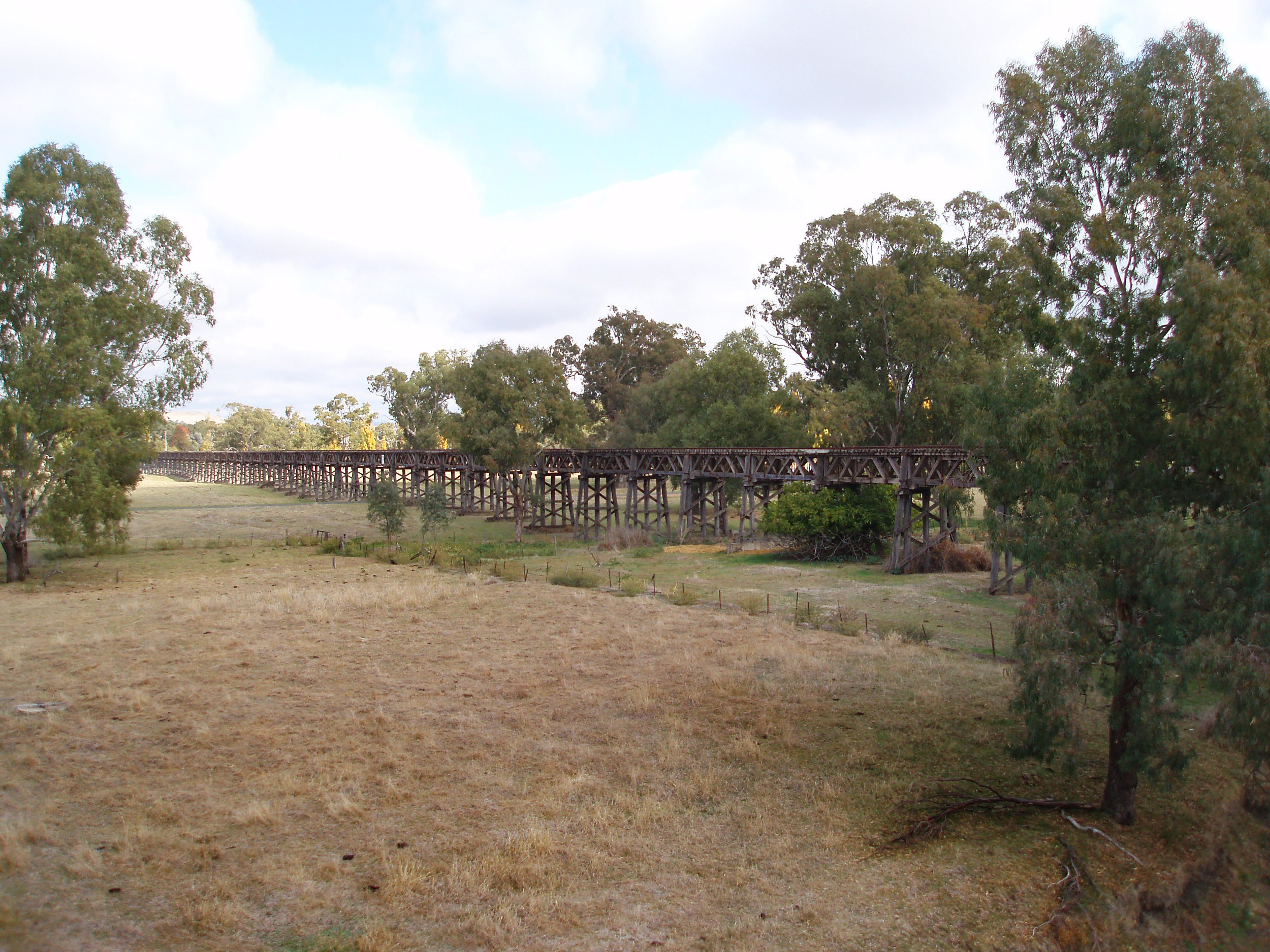 historic old rail bridge across the Murrumbidgee River, Gundagai
