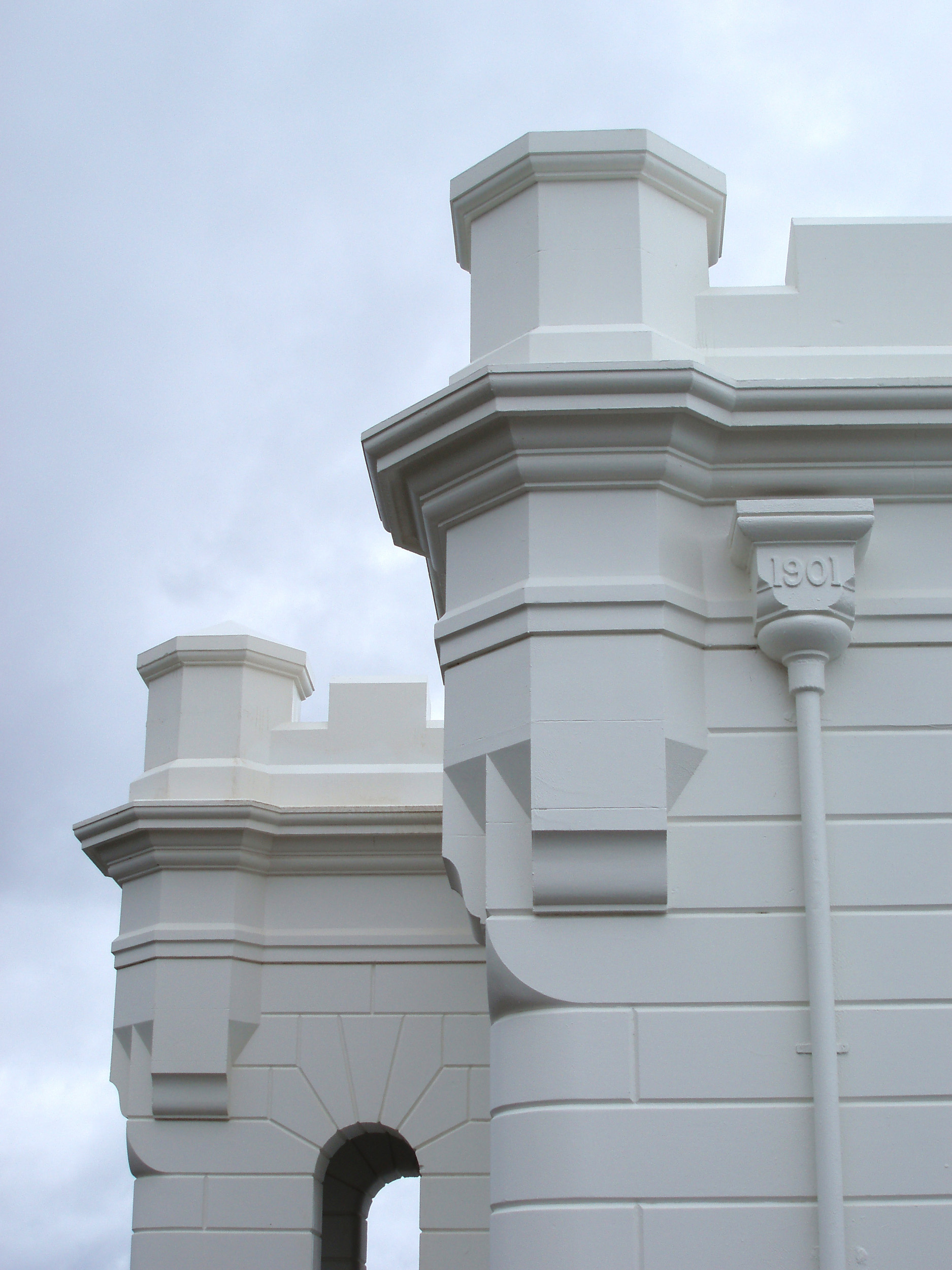 architectural details of the byron bay lighthouse