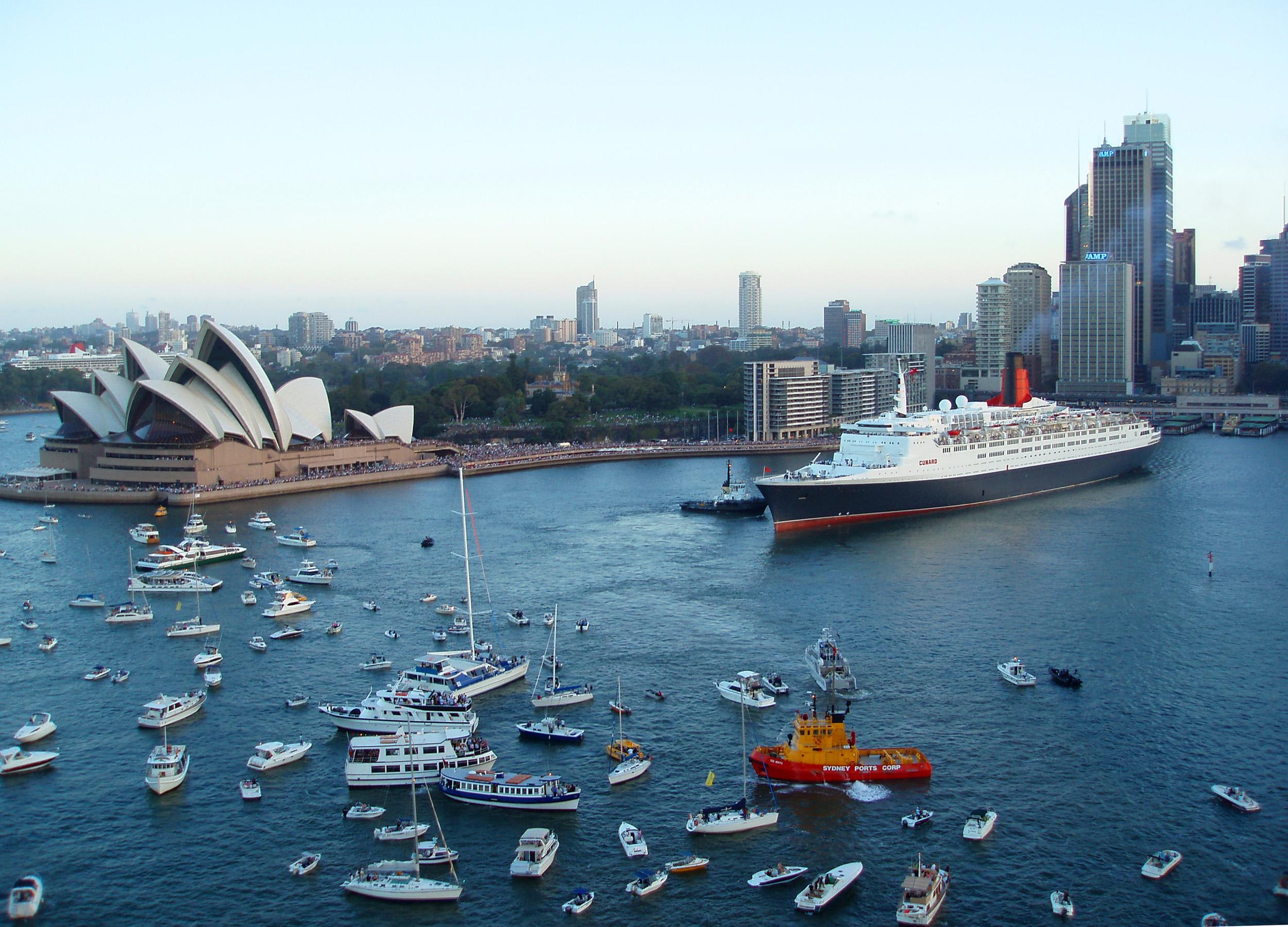 Photo Of Qeii In Circular Quay Free Australian Stock Images