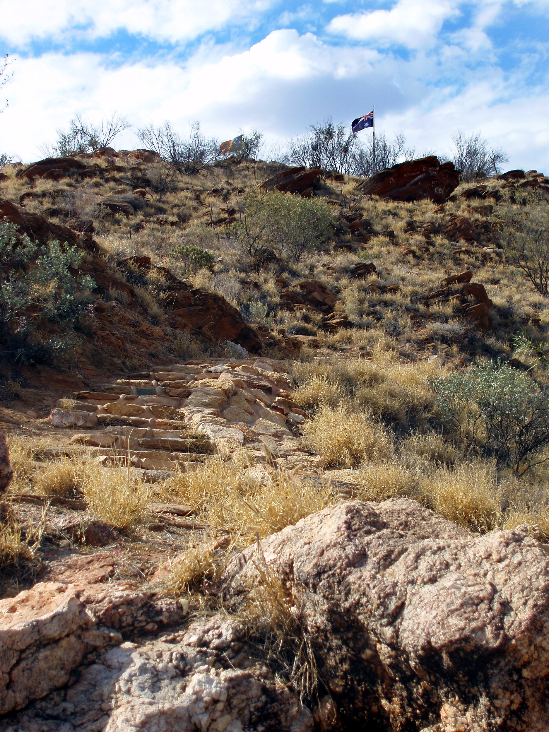 a view on the walk up anzac hill alice springs