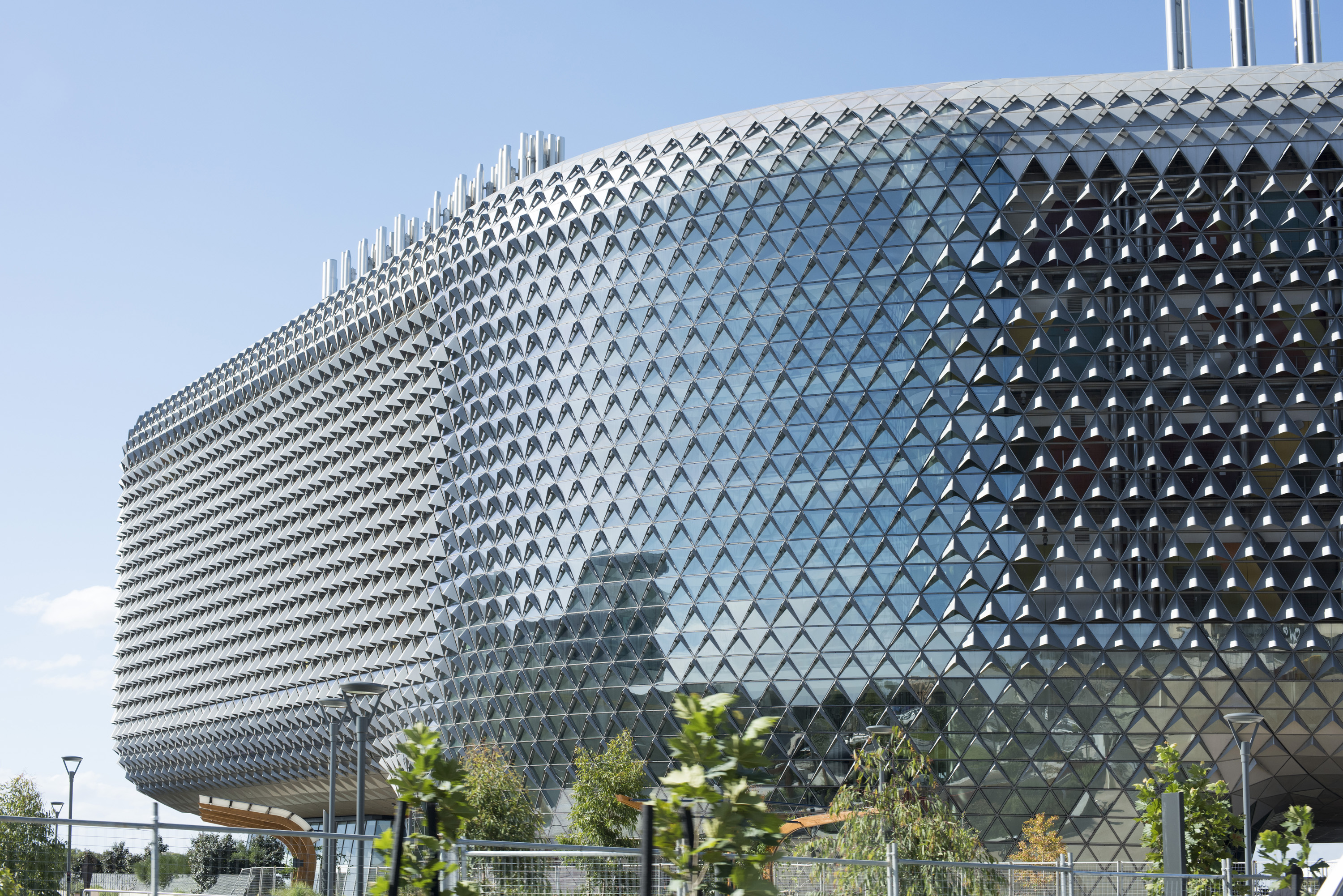 The modern curved facade of the South Australian Health and Medical Research Institute, the SAHMRI building, in Adelaide