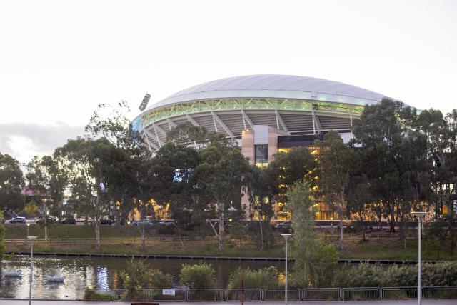 Adelaide_Oval.jpg