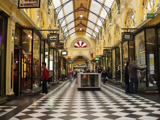The best of Melbourne shopping. Shopping The ultimate shopping guide to Melbourne. Loosen your purse strings and wander Melbourne's streets for a spot of retail therapy.