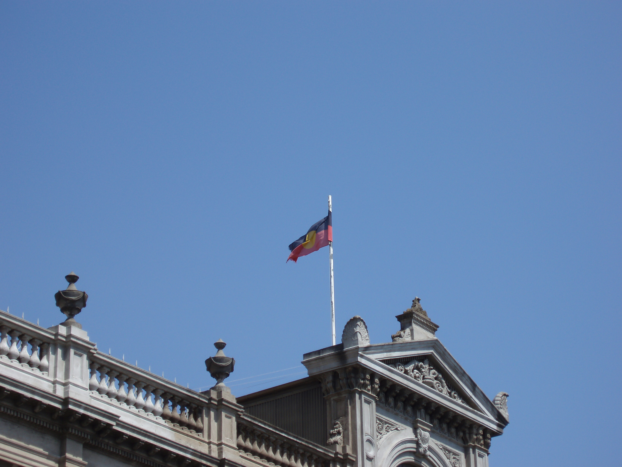 aboriginal flag on the roof of ballarat town hall