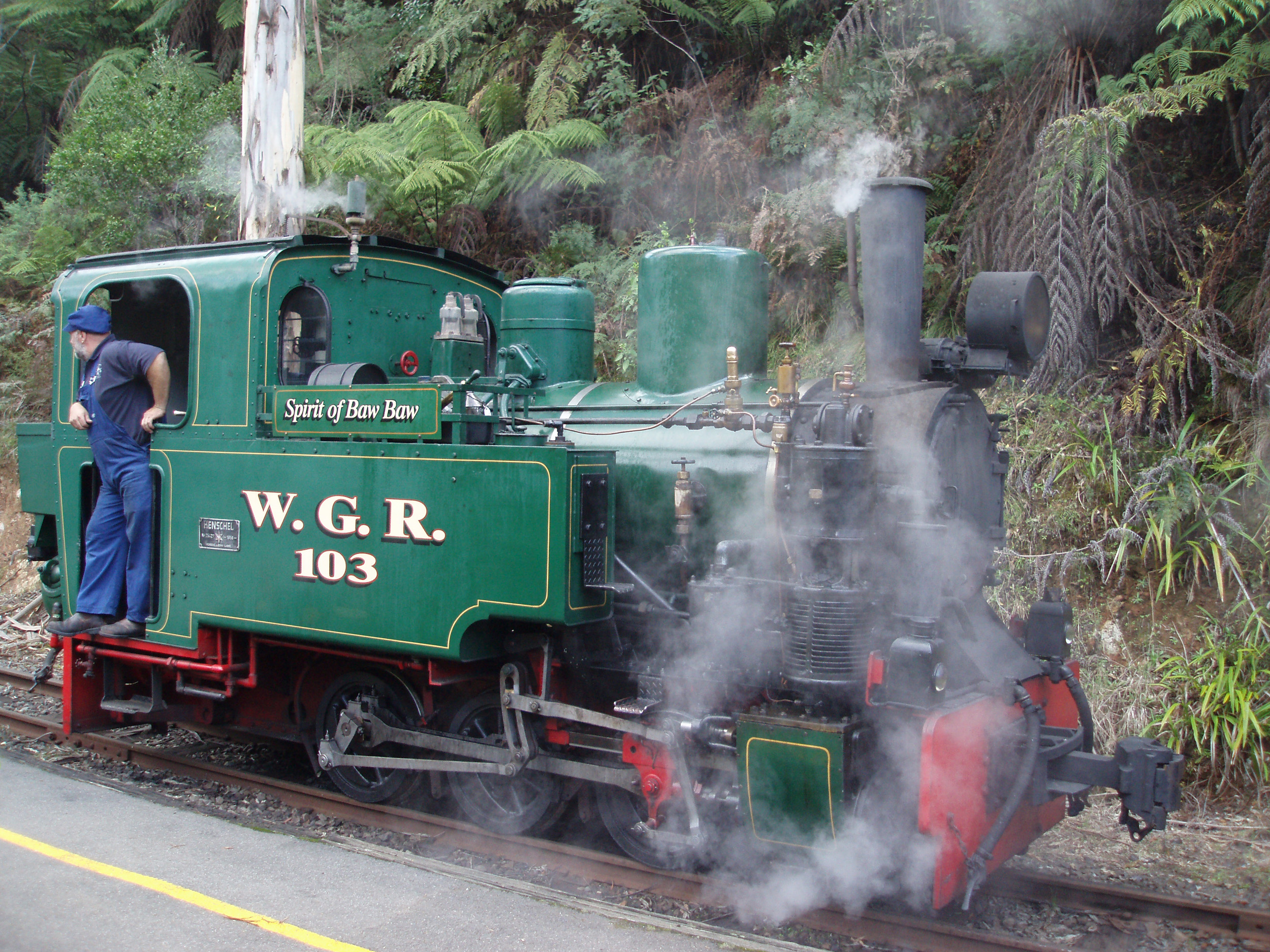 steam locomotive the spirit of baw bar on the walhalla goldfields railway