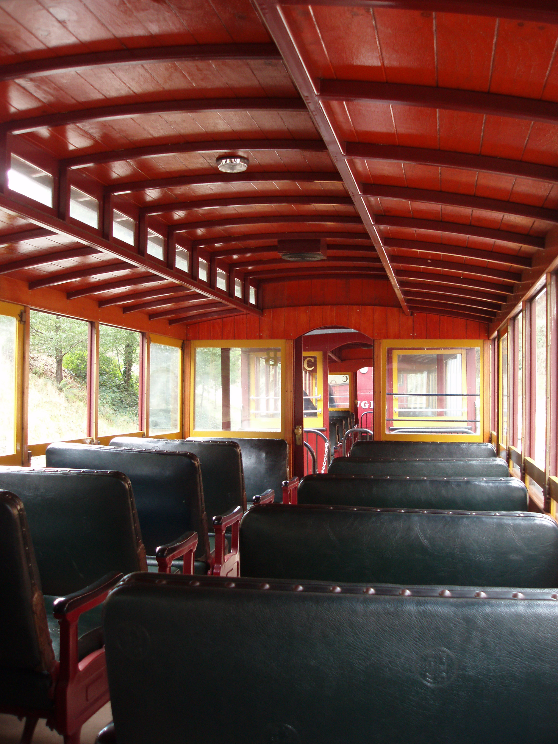 a ride on the walhalla goldields railway